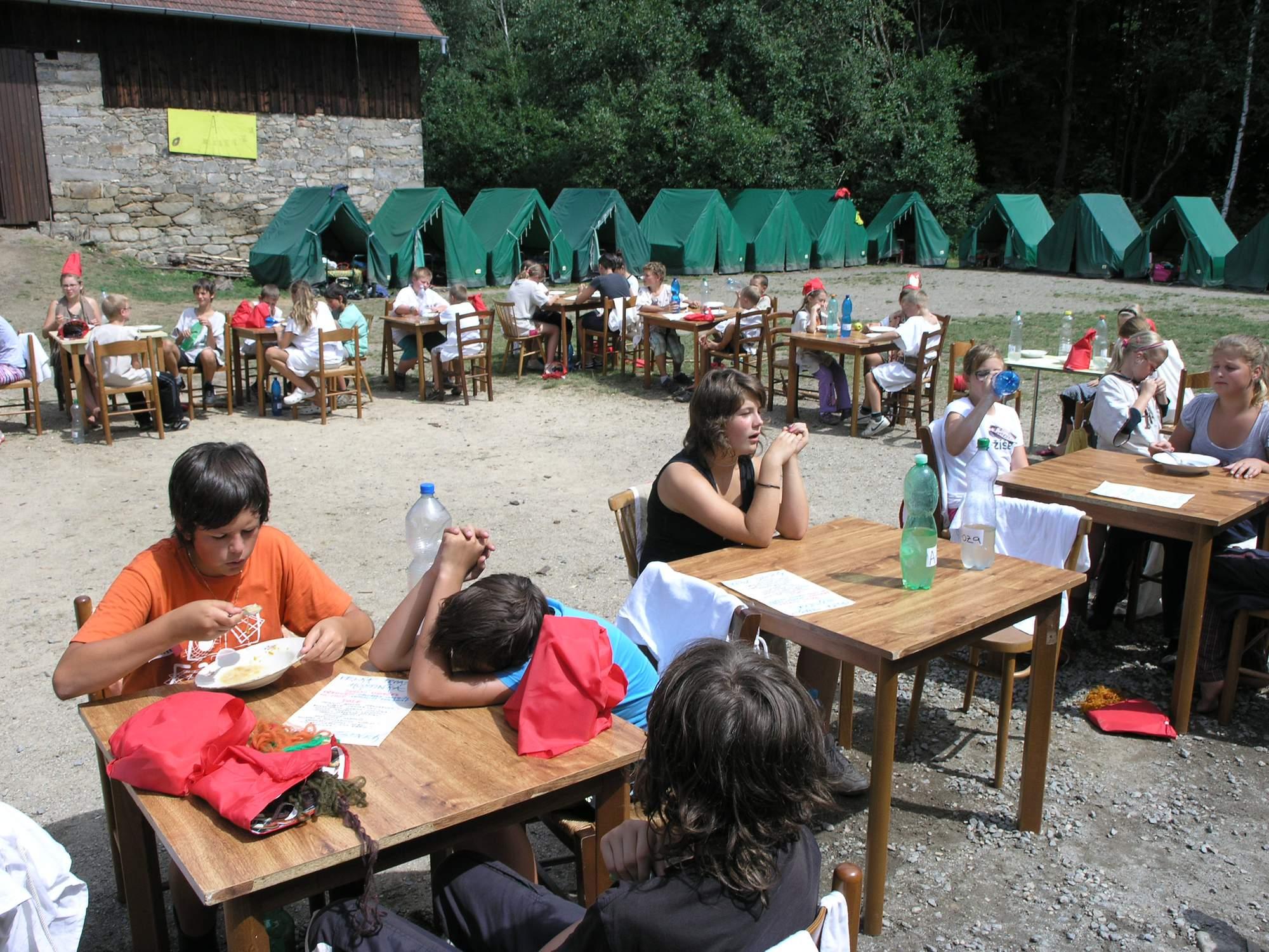 Jídlo na letním táboře